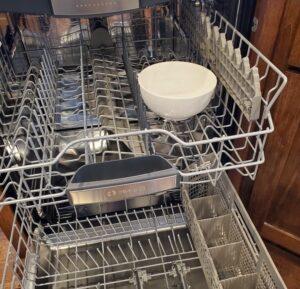 ضدعفونی و بوگیری ماشین ظرفشویی با سرکه سفید