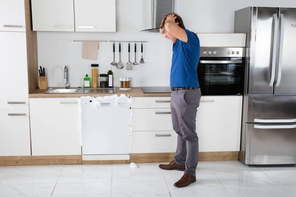 عیب یابی و مشکلات رایج و متداول ماشین ظرفشویی